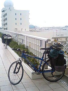 t*[旅] 0k 那覇空港前