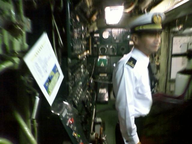 鉄のくじら館 今日は入場無料だった 終了前に滑りこんだ 実際に使用していた潜水艦の中