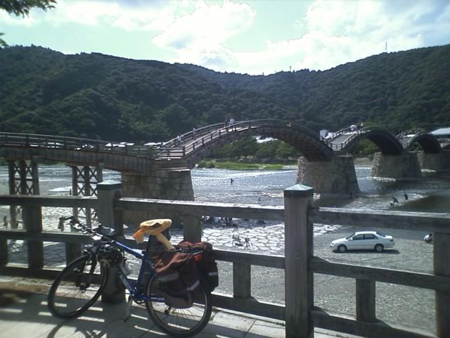 錦帯橋 http://maps.google.com/maps?q=34.163861,132.181781&spn=0.058790,0.070124