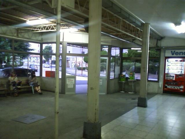 宇部新川駅到着 http://maps.google.com/maps?q=33.954983,131.244875&spn=0.058790,0.070124