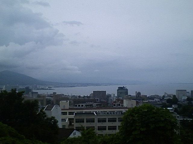 905K 大津SA 雨は降っていないものの、相変わらずの曇り空