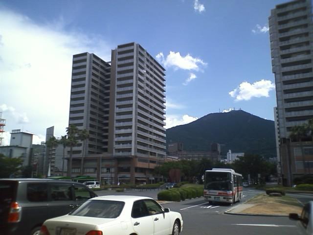八幡駅 もうこんな時間だ。今日はナイトランだな。