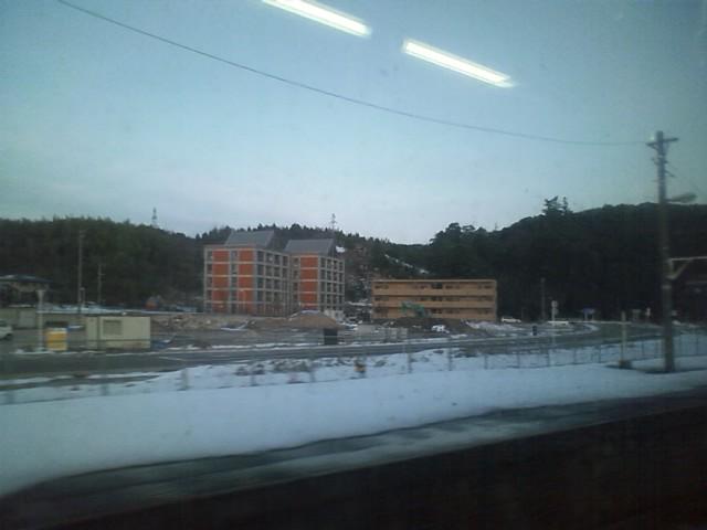 倉吉駅通過 ・冬は大雪で不便・リアス式で米を作る平地が少ない あたりが日本海側に大都市が少ない理由か?
